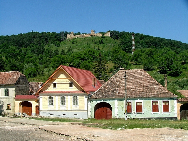 Tourist attraction and accommodations in romania complete tourist guide - Saxon style houses in transylvania ...